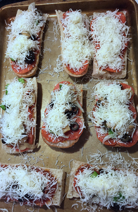 Kid-Friendly Pizza Boats-www.saras-house.com